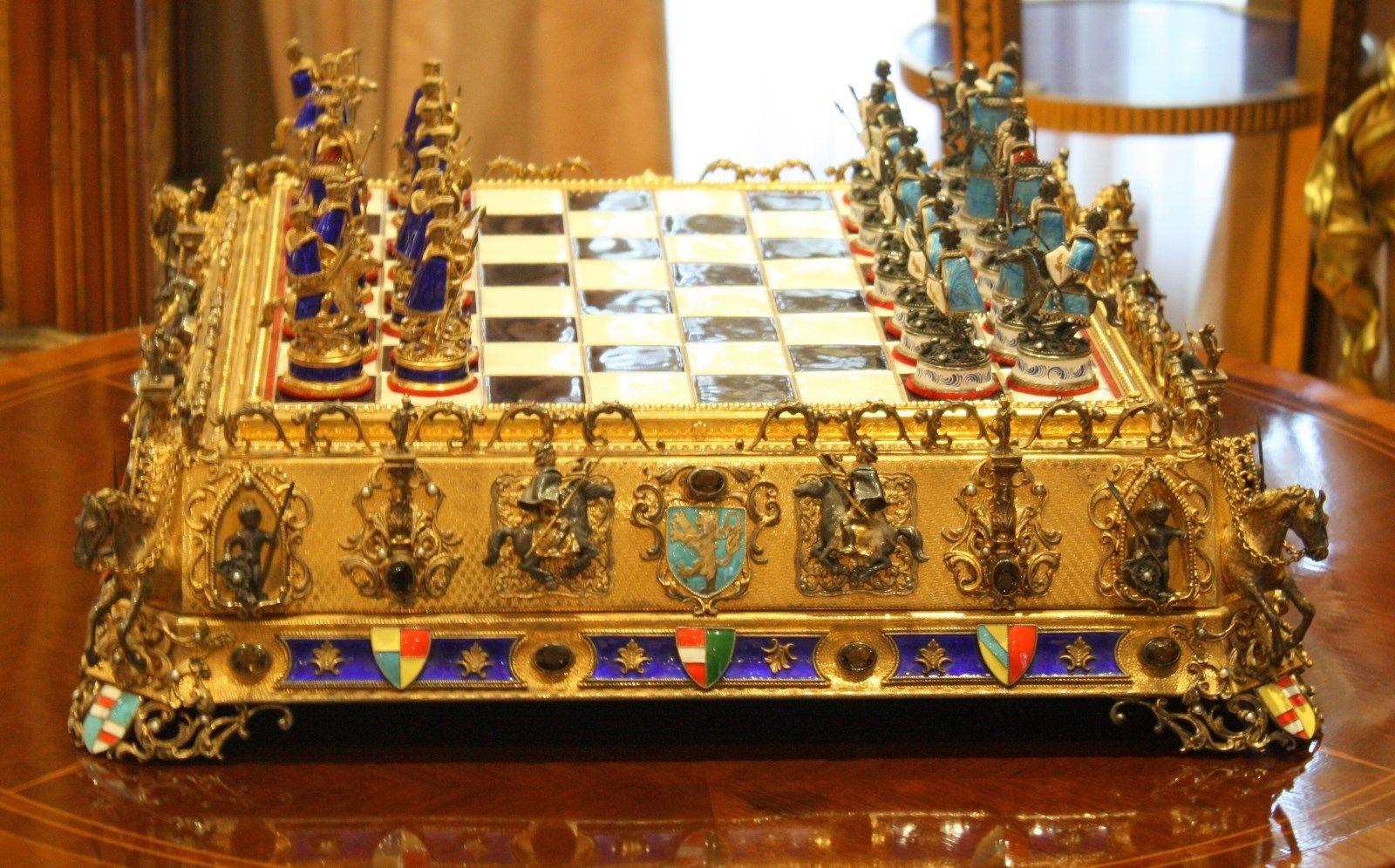Ceramic_Hungarian_Chess_Set