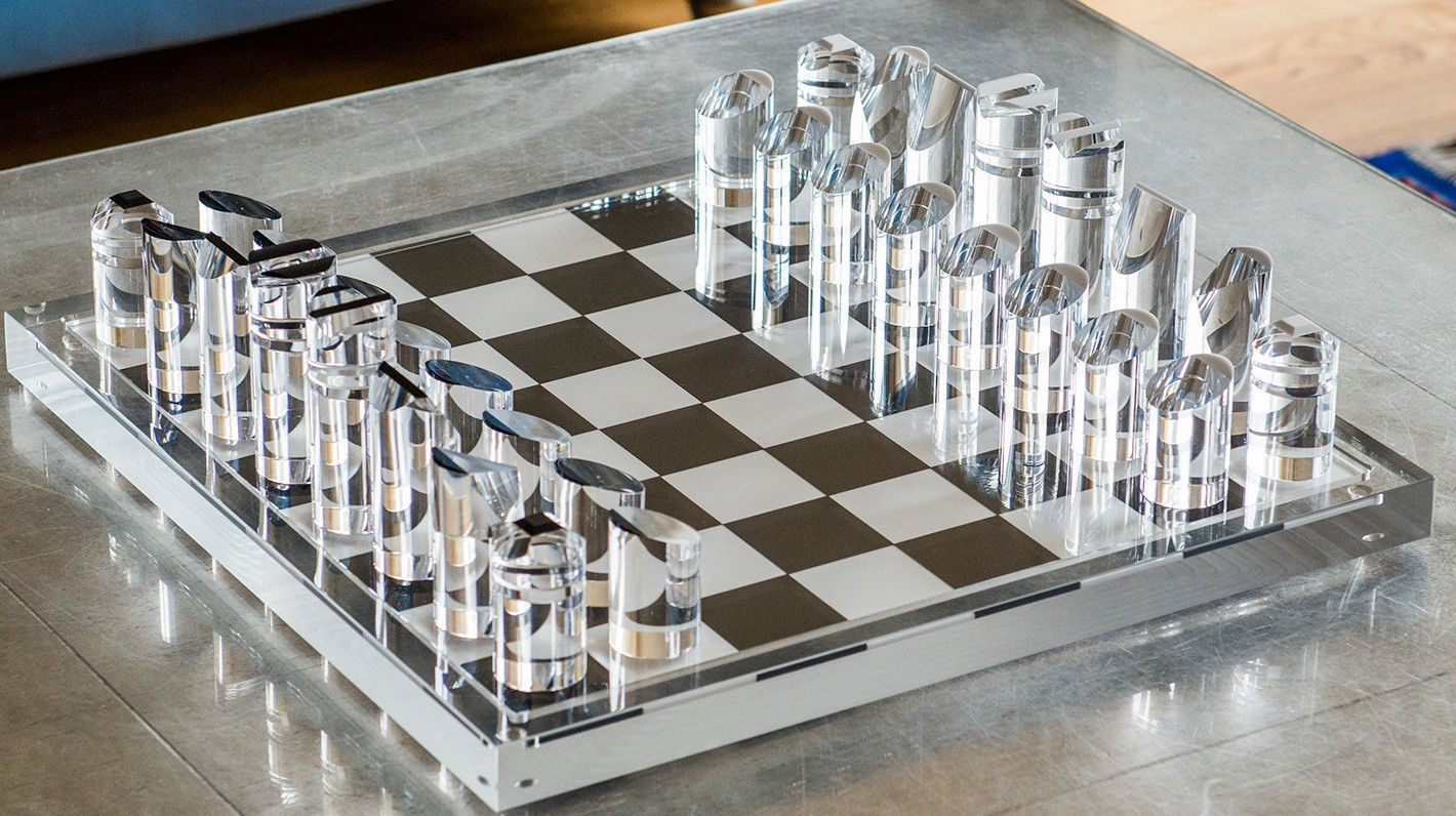 Chess_Set_made_of_Perspex