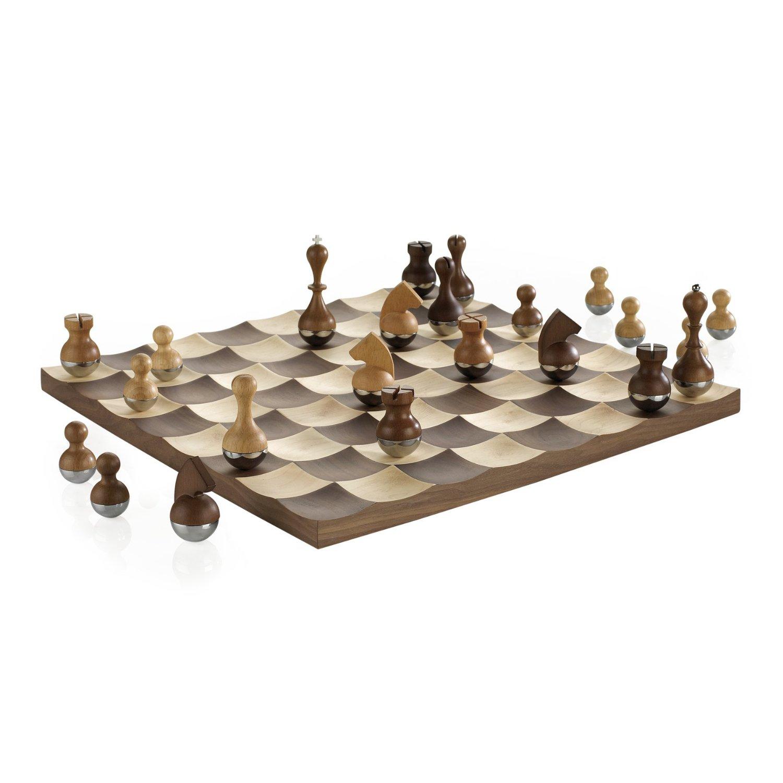 Wobble_Chess_Set
